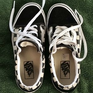 Used checked Vans